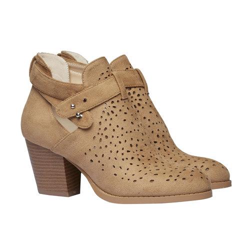 Stivaletti alla caviglia con perforazioni bata, marrone, 799-3627 - 26