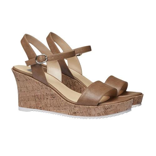 Sandali da donna con plateau bata, marrone, 761-4523 - 26