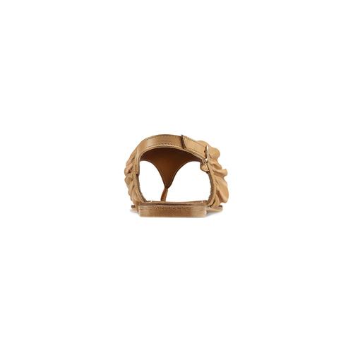 Sandali in pelle con rouches bata, marrone, 564-3118 - 16